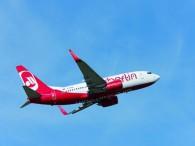 aj_air-berlin-Boeing_B737-700