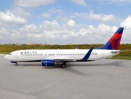 aj_delta air lines 737-800