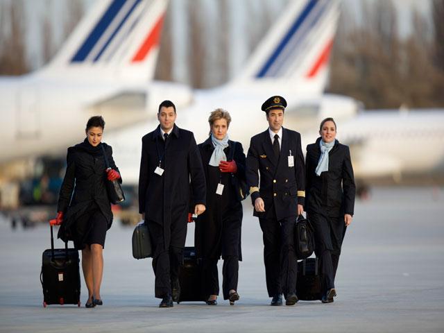 greve air france seulement 4 vols sur 10 assures lundi